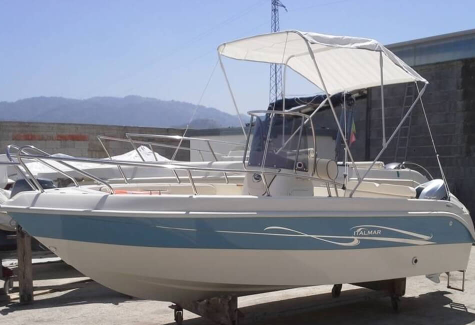 17 ft Italmar Motorboat